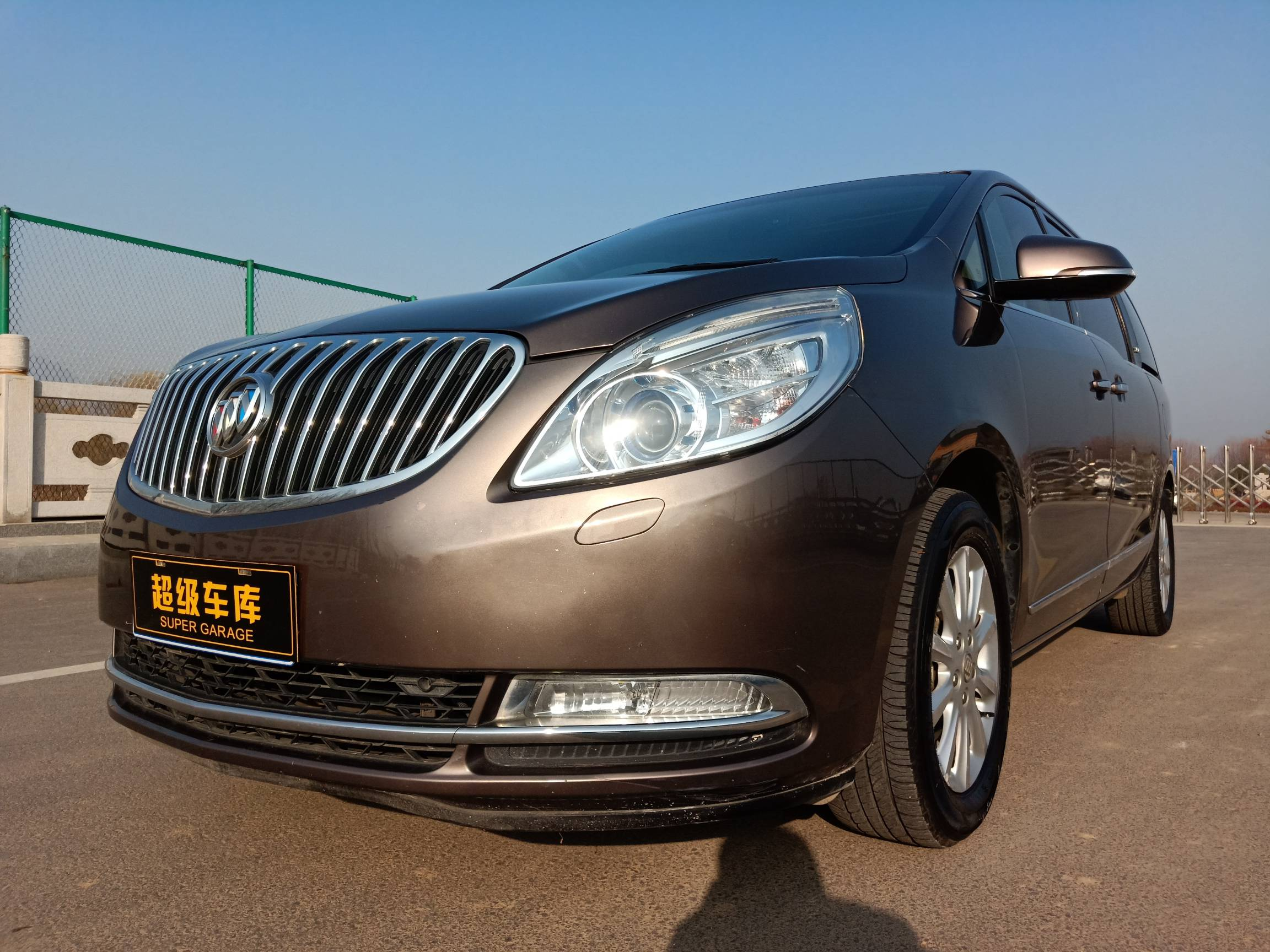 2013款  别克GL8  3.0L XT豪华商务旗舰版