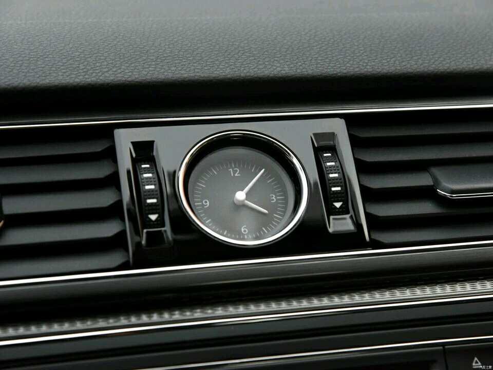 『车辆信息』 车型:大众帕萨特 2017款280TSI DSG尊雅版 上牌:2018年。排量:1.4T。变速箱:自动 。颜色;黑。里程:0公里 『车辆配置:高配 天窗 ?电子手刹 一键启动 胎压监测 ?真皮座椅 ?自动启停 等 『车况说明』新车、无任何事故。具体请电话咨询。 联系我时,请说是在搜车网 二手车频道上看到的,谢谢!