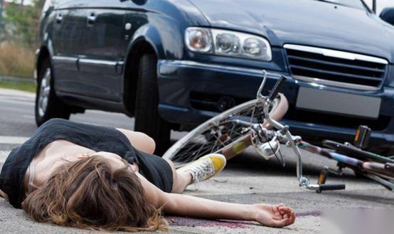 开车时出现事故在所难免,教5分快乐8你 如何处理,有备无患