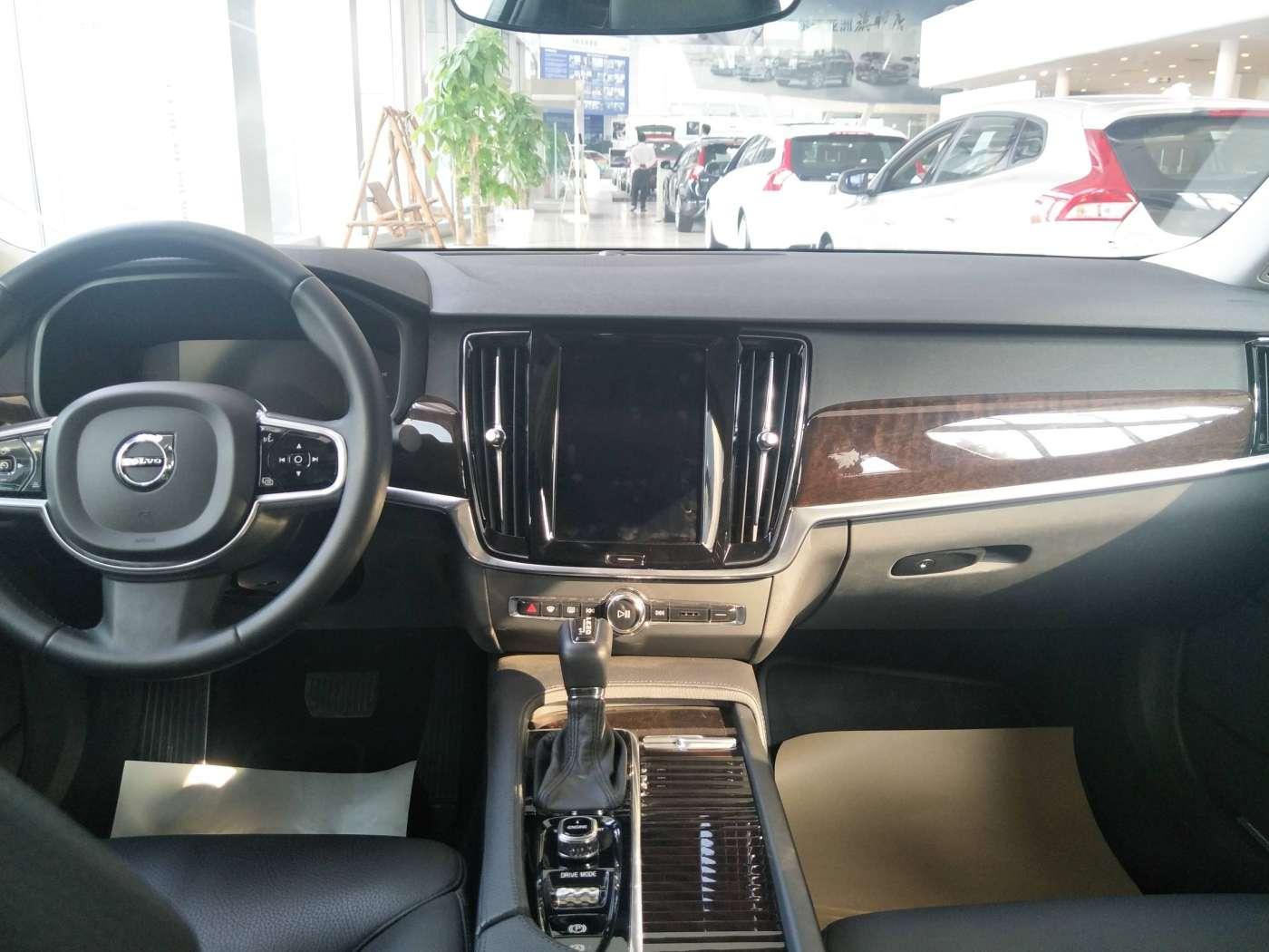 2017年04月 2018款 沃尔沃S90 2.0T T4 智远版|甄选沃尔沃-北京卡斯基汽车服务有限公司