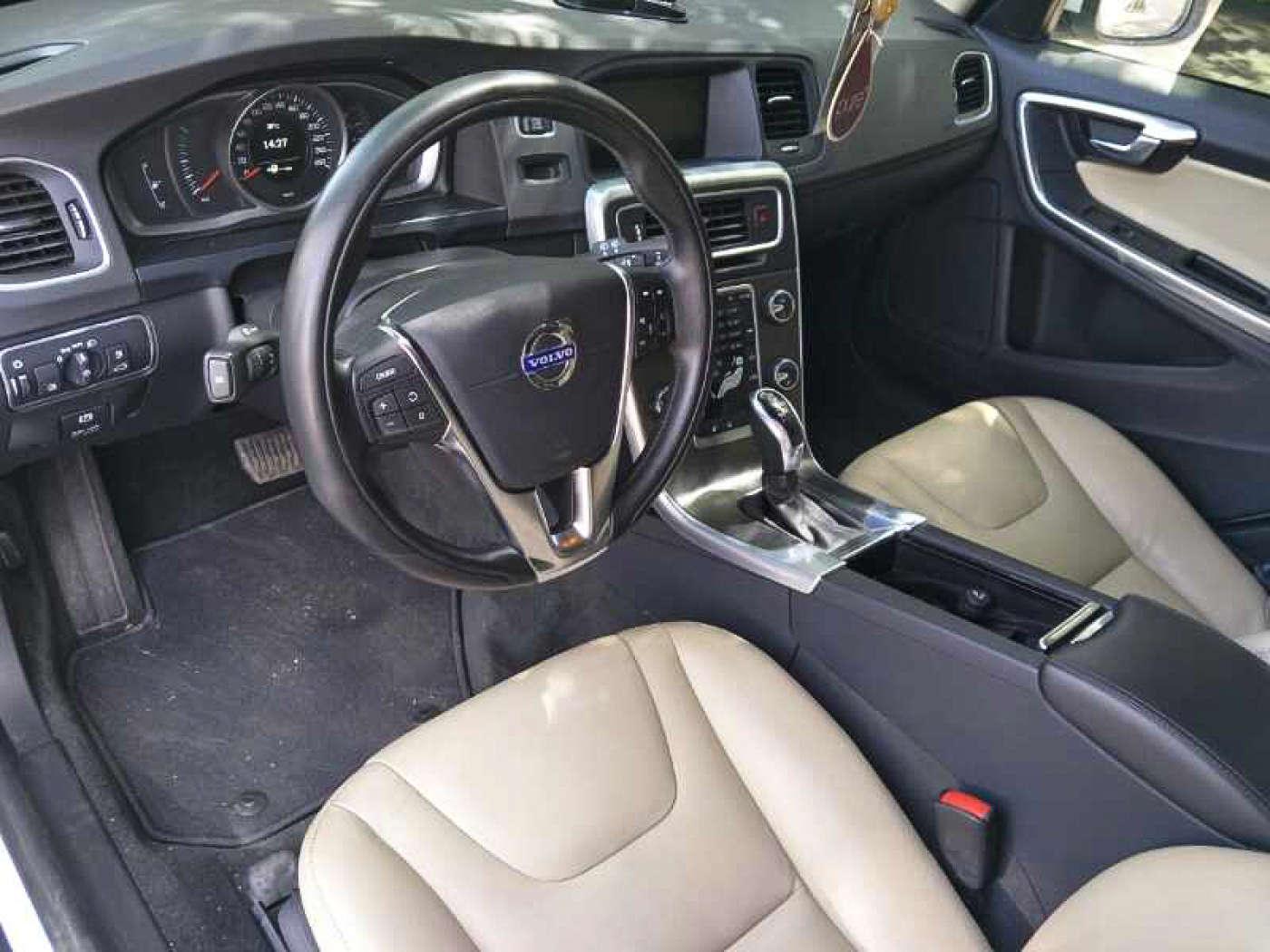 2014年09月 沃尔沃V60 2014款 改款 2.0T T5 智逸版|甄选沃尔沃-北京卡斯基汽车服务有限公司
